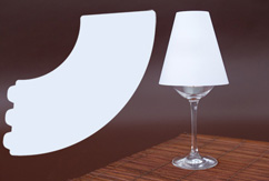 Mini lampada con calice bianchi